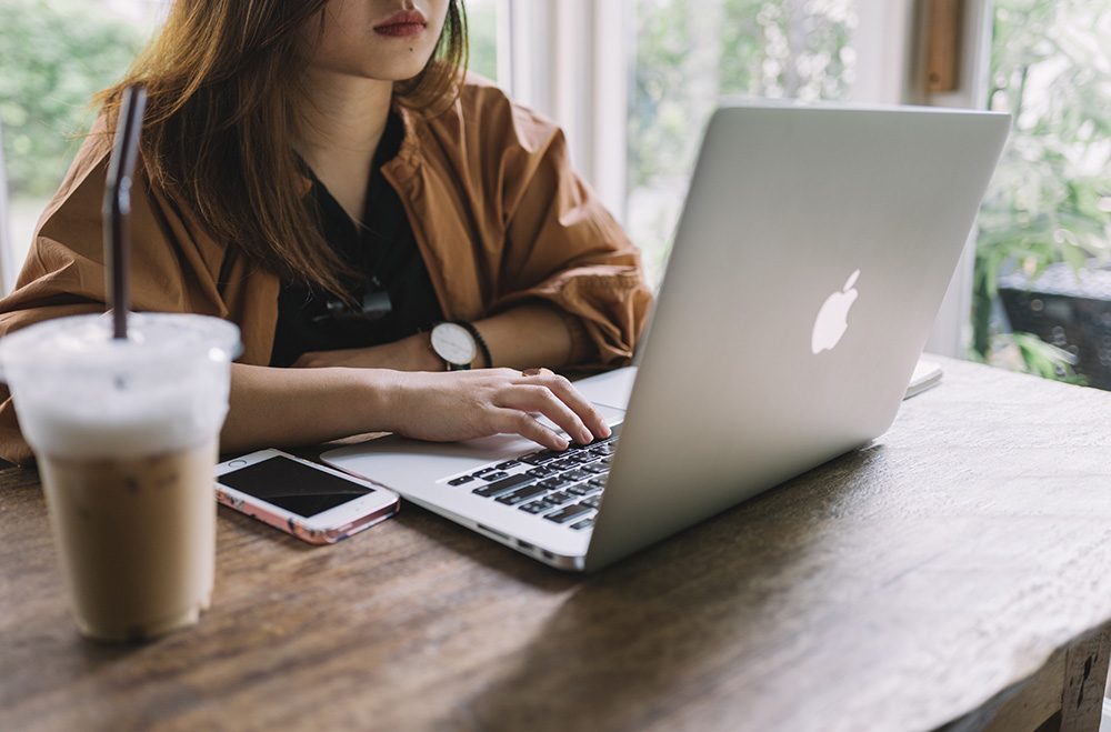 Why Your Cover Letter Sucks - Freelance Writing Tips